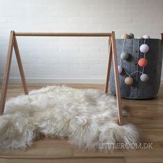 Design your own baby gym. By littleroom.dk http://littleroom.dk/produkt/aktivitetsstativ-trae/