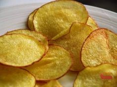 You Too Can Make These Crispy Potato Chips - It's Easier Than You Think! - Page 2 of 2 - Recipe Roost Potatoes In Microwave, Crispy Potatoes, Patatas Chips, Recipe Roost, A Food, Food And Drink, Potato Crisps, Savoury Baking, Potato Dishes