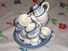 FRENCH BLUE ROSE FLORAL TEAPOT TEACUPS PLATES TABLETOP MUSICAL WATER FOUNTAIN #Unbranded