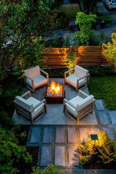 Jardines pequeños con encanto - Las nuevas tendencias para 2021 - Outdoor Garden Furniture, Patio Furniture Sets, Outdoor Rooms, Outdoor Living, Front Yard Patio, Backyard Patio, Backyard Landscaping, Modern Farmhouse, Contemporary Garden Design