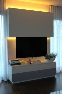 deze tv lift gaat omhoog