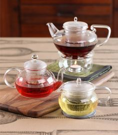 Love these glass teapots and the Florence and Paris Harney teas