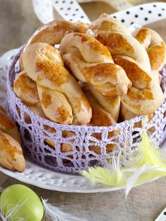 koulourakia-pasxalina About Easter, Greek Recipes, Cookie Bars, Hot Dog Buns, Apple Pie, French Toast, Bread, Cookies, Breakfast