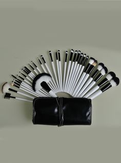 32pcs Brush For Face Make Up Tools with Black Leather Bag 16.14
