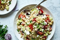 Řecký kuskus salát Couscous Dishes, Couscous Recipes, Speedy Recipes, Bulgur Salad, Vegetarian Recipes, Healthy Recipes, Greens Recipe, International Recipes, Food Inspiration