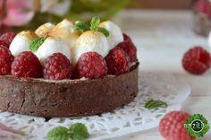 Рецепт: Тарталетки с ванильным заварным кремом, малиной и итальянской меренгой / Пирожные