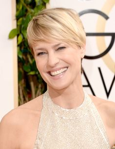 Actress Robin Wright attends the Annual Golden Globe Awards held at The Beverly Hilton Hotel on January 2014 in Beverly Hills, Cali. Robin Wright Haircut, Amy Robach, Golden Globe Award, Golden Globes, Golden Girls, Celebs, Celebrities, Celebrity Hairstyles, Great Hair