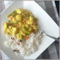 Mijn recept voor een overheerlijke kip kerrie met rijst. Voor mij nu nooit meer uit een pakje, gewoon lekker zelf maken die kip kerrie