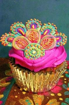 Fabulous Peacock Cupcake