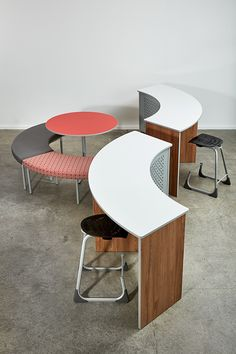 Maximise your comfort and productivity with stylish and practical tables like the Endeavour Table through Furnware. Flexible Furniture, The Endeavour, Learning Spaces, Clever Design, Whiteboard, Design Thinking, Small Groups, Wood Grain