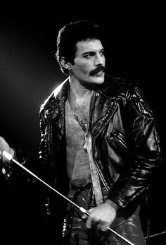 Freddie mercury - one of THE greatest voices Brian May, John Deacon, Rock Bands, Queen Freddie Mercury, Freddie Mercury Tattoo, Love Of My Life, My Love, Roger Taylor, Heavy Metal