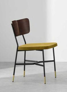 Chaise vintage : 21 modèles esprit rétro Table Vintage, Chaise Vintage, Dining Chairs, Furniture, Home Decor, Folding Chair, White Dining Chairs, Schoolgirl Style
