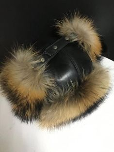 Aviator Hat, Summer Slippers, Trapper Hats, Winter Accessories, Fox Fur, Skiing, Fashion Shoes, Ear, Trending Outfits