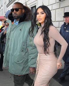 NYC🗽(2.5.20) #kanyewest #kimkardashianwest [📸: @thehapablonde] Kim And Kanye, Kim Kardashian And Kanye, Hotel A New York, Kanye West Kids, Daily News, Father, Bodycon Dress, Nyc, Celebrities