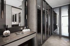 DIA设计:融创北京壹号院样板间 5965157 Walk In Closet Design, Wardrobe Design, Wardrobe Room, Built In Wardrobe, Bathroom Interior Design, Interior Design Living Room, Sister Home, Dressing Room Design, Modern Master Bedroom