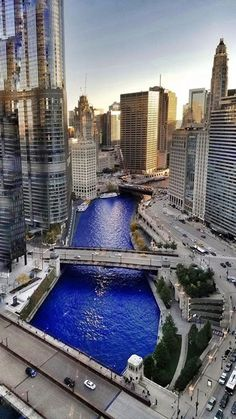November 2016 Parade Day for the World Series Champs - Chicago Cubs. Chicago River in Cubbie Blue Chicago River, Chicago City, Chicago Skyline, Chicago Illinois, Milwaukee City, Milwaukee Brewers, Kansas City, Chicago Cubs Pictures, Places Around The World