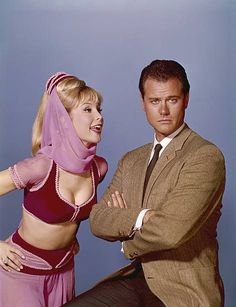 "my-retro-vintage: ""Larry Hagman and Barbara Eden in 'I Dream of Jeannie,' 1965 "" Barbara Eden, I Dream Of Jeannie, Old Tv Shows, Great Tv Shows, Mejores Series Tv, Tv Star, Larry Hagman, Actrices Hollywood, Vintage Tv"