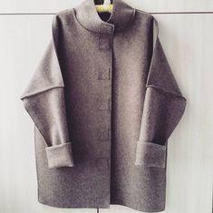 И пальто....не покрасила, жалко, да и сороки унесут от блеска....пальто из лодена. Шила полдня #пальто #наширукинедляскуки  #шьюсама #шитьлегко #coat  #sewing #пальтоизлодена