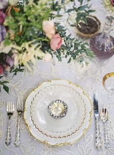 Gold Scalloped China | photography by http://www.ashleyseawellphotography.com/