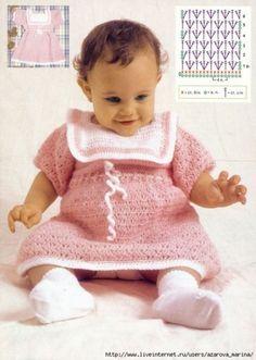 Robe bébé de 9 à 12 mois et ses grilles gratuites !