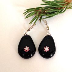 Christmas Holiday Earrings - Peppermint Candy on Black Glass by Greenhouse Glassworks #jewelry #glass #christmas #earrings #holiday
