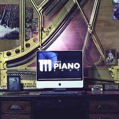 Piano Harp desk