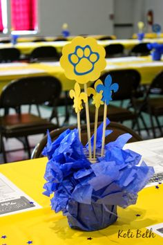 Koti Beth: Cub Scout Blue and Gold Centerpieces with Free Paw Print SVG File Cub Scout Crafts, Cub Scout Activities, Cub Scouts Bear, Boy Scouts, Tiger Scouts, Conquistador, Cub Scout Blue And Gold Centerpieces, Cub Scout Crossover Ceremony, Banquet Centerpieces