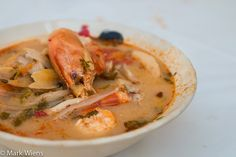 Tom Yum Soup Recipe (ต้มยำกุ้ง) – Authentic Thai Style Thai Recipes, Asian Recipes, Soup Recipes, Dinner Recipes, Cooking Recipes, Tom Yum Goong Soup Recipe, Thai Tom Yum Soup, Popular Thai Dishes, Cambodian Food
