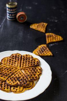 Sweet potato waffles for breakfast. Sweet! http://www.jotainmaukasta.fi/2014/06/30/bataattivohvelit/
