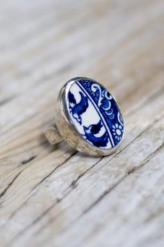 Sterling Silver Ring, set with Willow pattern china by Green Heart Jewellery....♥♥♥