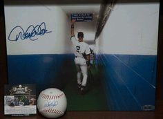 New York Yankees Derek Jeter Autographed official League MLB baseball and Canvas $499