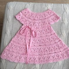 Diy Crafts - Girl& Clothing, Bring home baby girl outfit, baby knitwear set, handmade, Outfit baby crocheted. Crochet Toddler, Baby Girl Crochet, Crochet Baby Clothes, Crochet For Kids, Crochet Baby Dress Pattern, Baby Dress Patterns, Crochet Patterns, Handmade Clothes, Kind Mode
