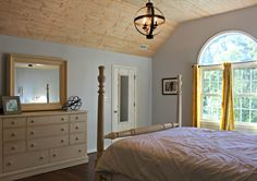 Before/After farmhouse style bedroom jerseygirlinthesouth.com