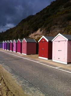 Pink beach huts - dreaming of a PINK summer - Beach Beach Hut Shed, Beach Hut Decor, Beach Huts, Beach Cottages, Pink Houses, Little Houses, Pink Summer, Summer Beach, Painted Garden Sheds