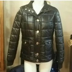 *100% authentic tory burch black and gold coat Wind breaker jacket beautiful says size small but can fit a medium, 2 front pockets Tory Burch Jackets & Coats