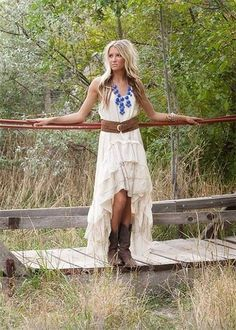 Country style wedding dresses with boots – Fashion and trend ideas. Where and how to buy a Country style wedding dresses with boots? Do discounts and sales? Change your style! Mode Country, Country Girl Style, Country Fashion, Country Outfits, Country Girls, Country Attire, Country Casual, Country Boots, Country Style Clothes