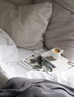 in bed coffee mornings # café au lit le matin en la cama mañanas de café # a letto caffè al mattino # yatakta kahve sabahları Coffee In Bed, Coffee Corner, Coffee And Books, Coffee Mugs, Hill Interiors, Decoration Inspiration, Decor Ideas, Coffee Photography, Bedroom Photography
