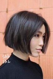 : 50 Impressive Short Bob Hairstyles To Try Short Bob With Middle Haircut ? Consider short bob hairstyles, if change is what you seek. It is always fun to try out something new, especially if it is extremely stylish and versatile. Angled Bob Haircuts, Layered Bob Hairstyles, Hairstyles Haircuts, Summer Hairstyles, Chin Length Hairstyles, Short Haircuts, Modern Haircuts, Wedding Hairstyles, Medium Hairstyles