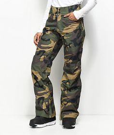 How to carry camo pants for women? camo pants for women aperture crystaline camo snowboard pants ZUUELDA Camouflage Pants, Camo Pants, Camo Jacket, Snowboard Girl, Snowboard Pants, Military Looks, Winter Hiking, Winter Fun, Winter Sports