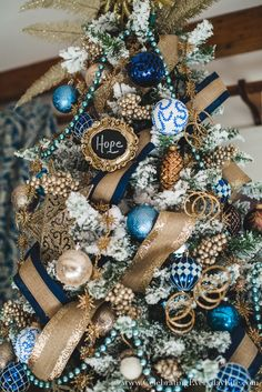 How to Make Your Christmas Tree Look Stunning For Less with ornaments from the Dollar Tree, Walmart & some Homemade crafts too! Blue Christmas Tree Decorations, Harry Potter Christmas Decorations, Cool Christmas Trees, Christmas Tree Design, Christmas Holidays, Christmas Wreaths, Christmas Ideas, Xmas Trees, Christmas Countdown