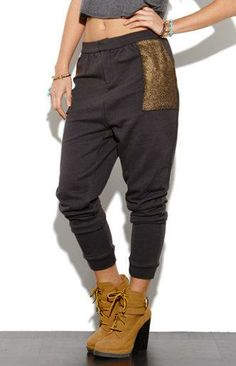 Fleece Sweatpants with Sequin Pockets. Chunky Boots. Urban Fashion. Urban Outfit. Swag