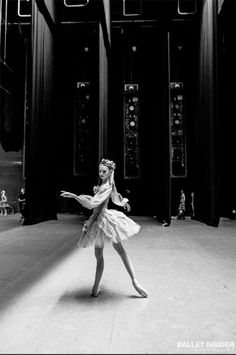 Image discovered by 𝔐𝔦𝔰𝔰 𝔄𝔫𝔤𝔢𝔩 𝔚𝔦𝔱𝔠𝔥. Find images and videos about dance, ballet and ballerina on We Heart It - the app to get lost in what you love. Shall We Dance, Lets Dance, Dance Photos, Dance Pictures, Vaganova Ballet Academy, Ballet Pictures, Ballet Photography, Ballet Beautiful, Ballet Dancers