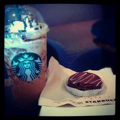 Un Starbucks por trabajos!