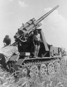 8,8cm Pak 68 monted on halftrack chassis