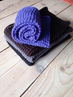 Slå ca op. Diy Crochet, Crochet Hats, Big Knit Blanket, Jumbo Yarn, Big Knits, Knit Dishcloth, Knit Pillow, String Bag, Stockinette