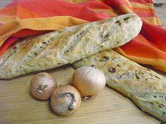 Herzhaftes Zwiebelbrot oder Zwiebelbaguette, ein schönes Rezept aus der Kategorie Snacks und kleine Gerichte. Bewertungen: 83. Durchschnitt: Ø 4,5.