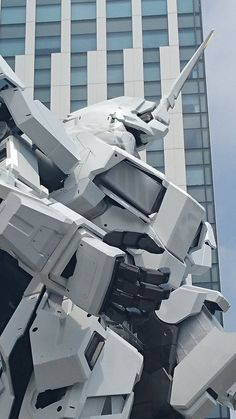 The Life-Sized Unicorn Gundam Statue: Work In Progress (Update 22th August 2017) No.8 NEW Images, credits | GUNJAP