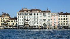 Londra Palace: Londra Palace overlooks a waterfront promenade and the Venetian lagoon beyond.Venice