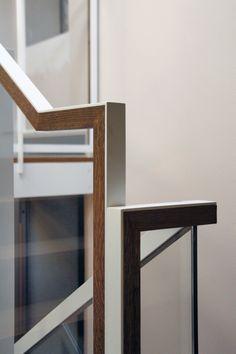 trap   leuning van hout en metaal   mooi gedetailleerd   Nuovostudio