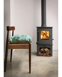 #Charnwood #Cove 1 multi-fuel stove, #charnwoods single control quad air system is exceptional along with their unique riddling grate system the charnwood 1 is a brilliant 5kW stove available from our showroom J&R Hill, Stoke on Trent, Staffordshire